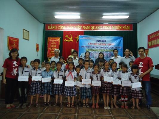 (5)發放第二季助學金給孩童