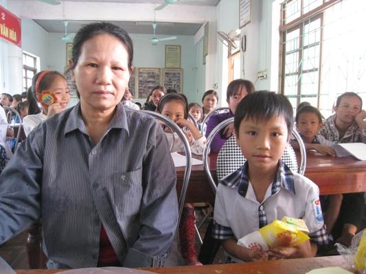 (7)阮文法孩童和姨媽