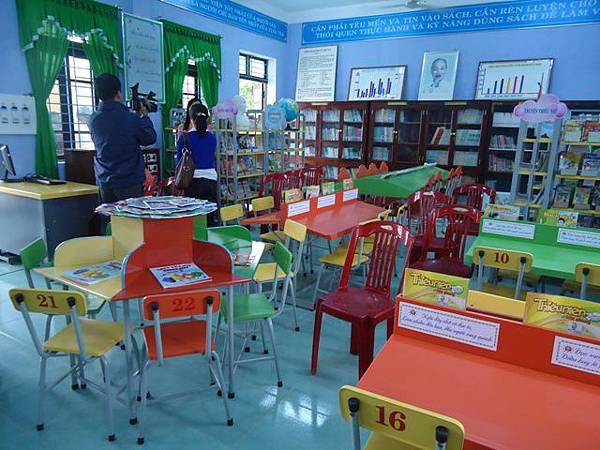孩童讀書區.JPG