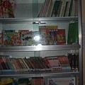 書柜和讀物.JPG
