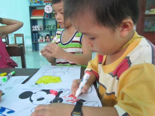 元智--為孩童舉辦活動.JPG