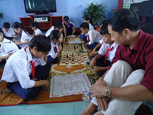 孩童下棋區.JPG