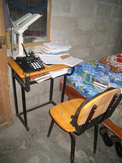 至善的桌子改善孩童得學習條件.jpg