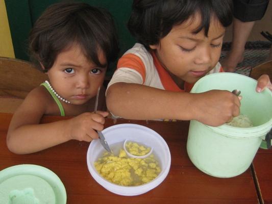 父母準備給孩子的午餐.jpg