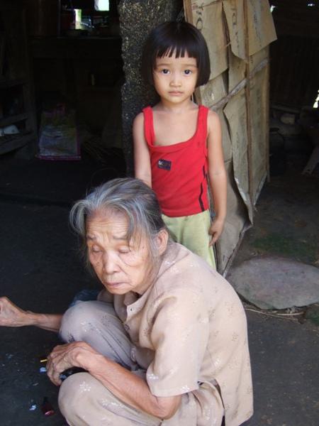 如心和奶奶.JPG