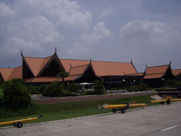 19_2008042702_柬埔寨國際機場.JPG