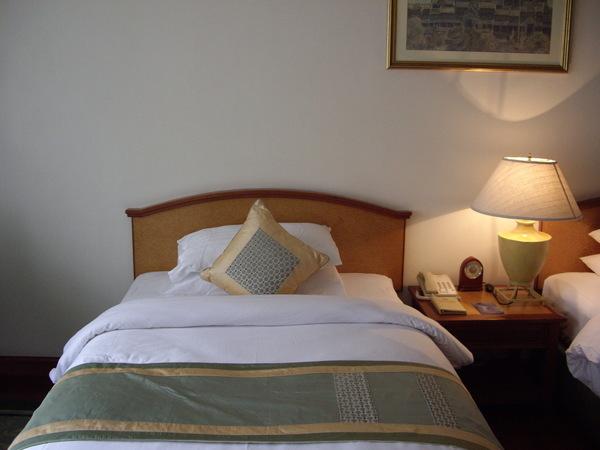 25_2008042702_飯店房間.JPG