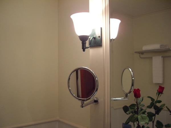 26_2008042702_飯店房間浴室.JPG