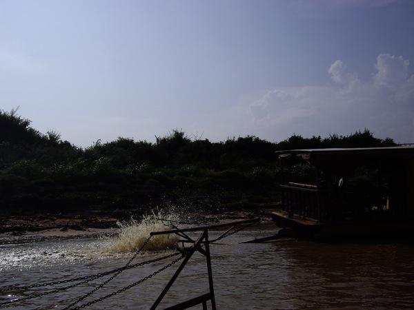 33_2008042703_洞里薩湖.JPG