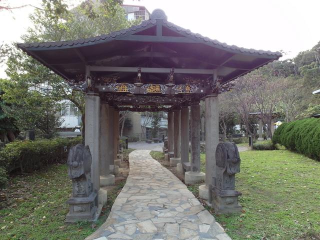 劍潭古寺 (6).JPG