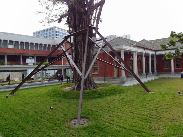 台南法院 (15).JPG