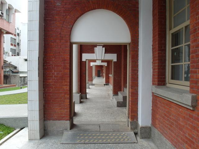 台南法院 (20).JPG