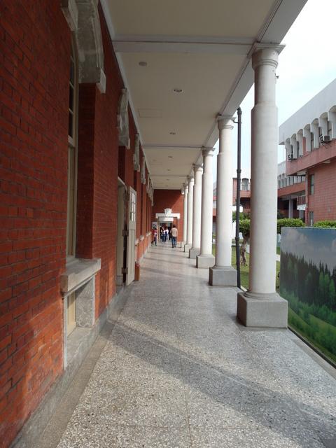 台南法院 (24).JPG
