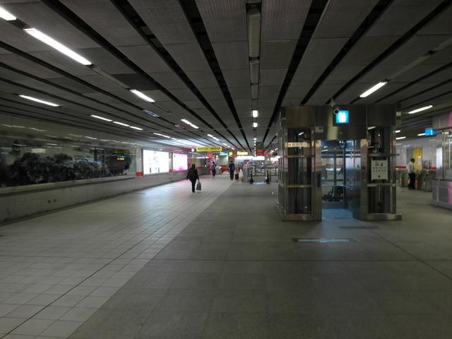 高雄捷運 (32).JPG