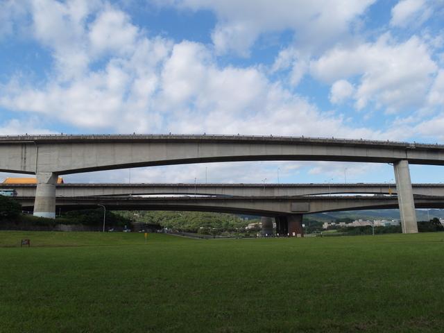 基隆河自行車道 (17).JPG