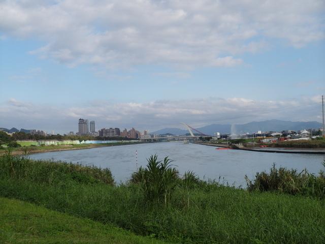 基隆河自行車道 (19).JPG
