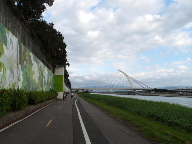 基隆河自行車道 (24).JPG