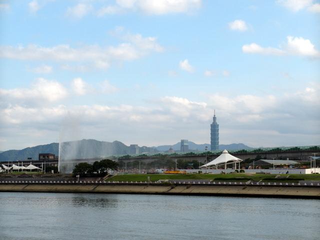 基隆河自行車道 (23).JPG