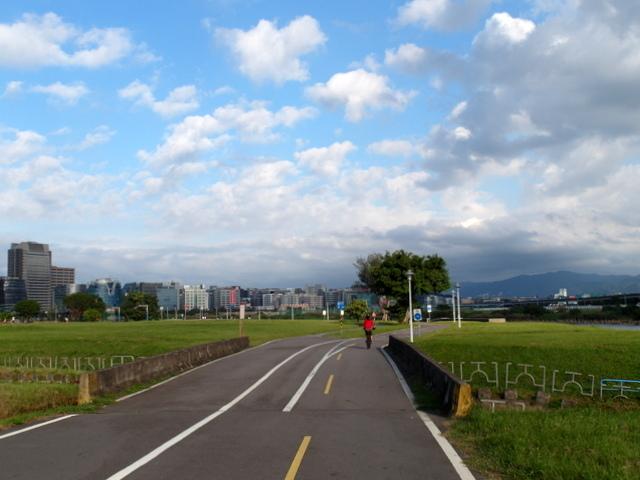 基隆河自行車道 (34).JPG