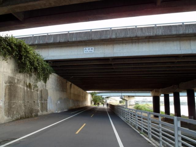 基隆河自行車道 (39).JPG