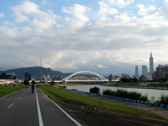基隆河自行車道 (42).JPG