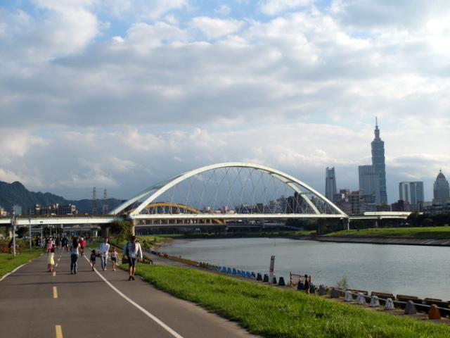 基隆河自行車道 (44).JPG