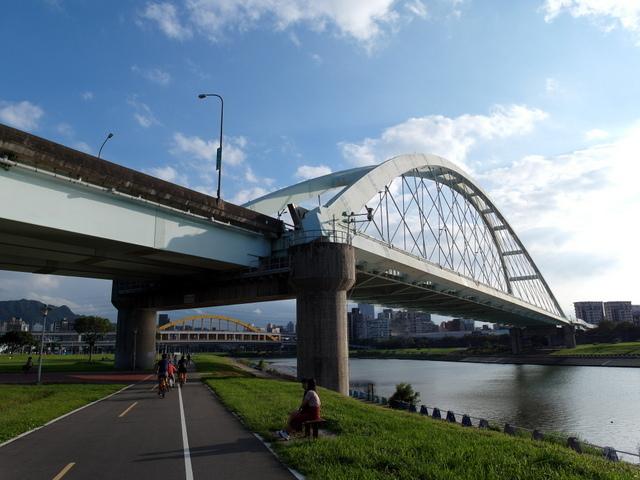 基隆河自行車道 (45).JPG