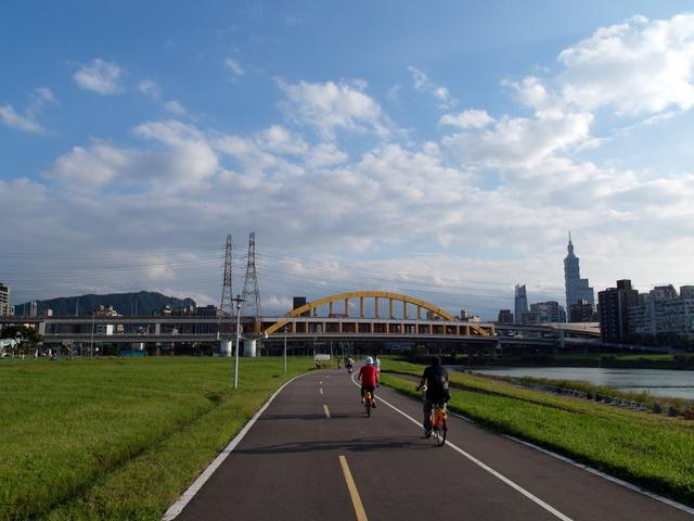 基隆河自行車道 (46).JPG