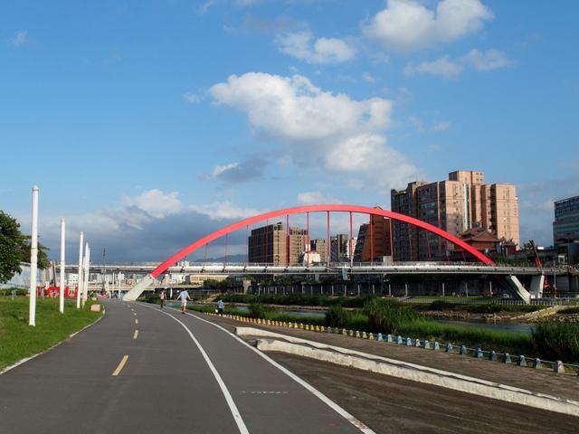 基隆河自行車道 (48).JPG
