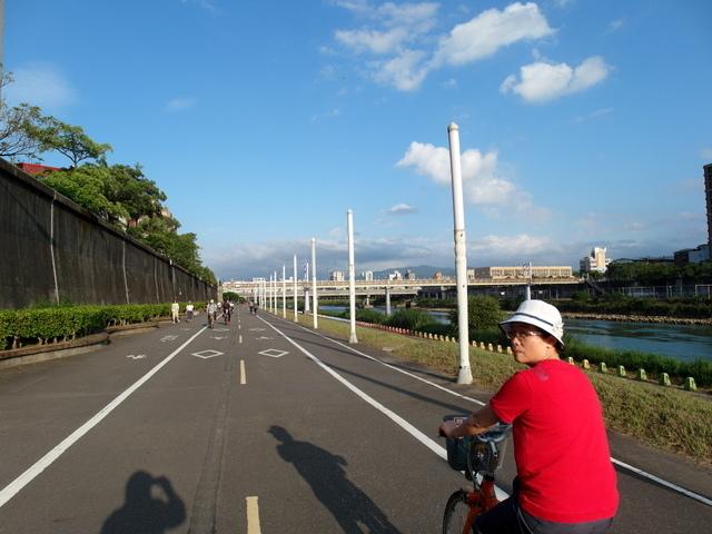 基隆河自行車道 (52).JPG