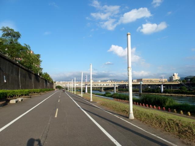 基隆河自行車道 (53).JPG