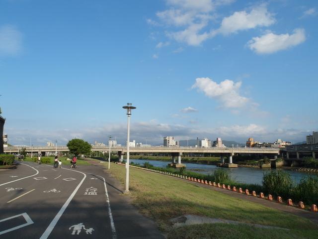 基隆河自行車道 (55).JPG
