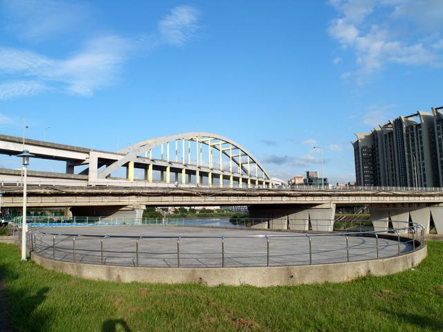 基隆河自行車道 (59).JPG