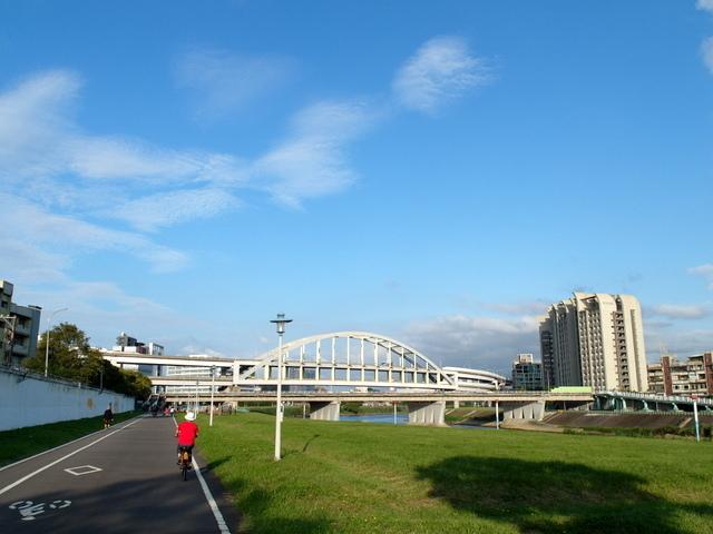 基隆河自行車道 (58).JPG