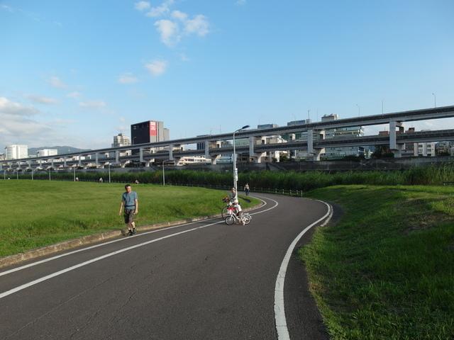 基隆河自行車道 (65).JPG