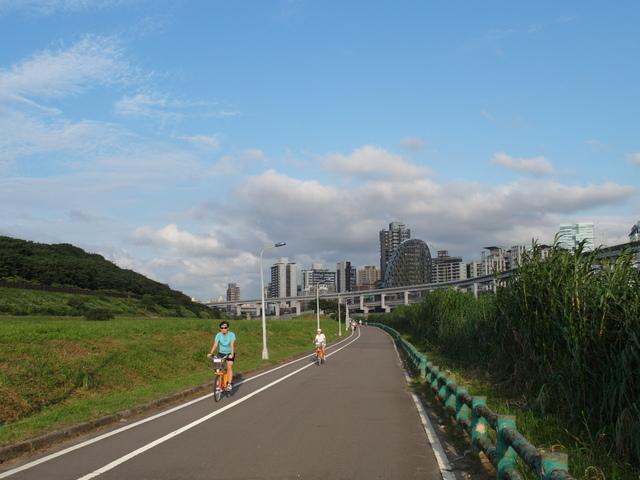 基隆河自行車道 (66).JPG