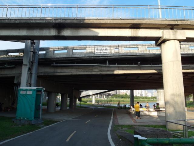 基隆河自行車道 (69).JPG