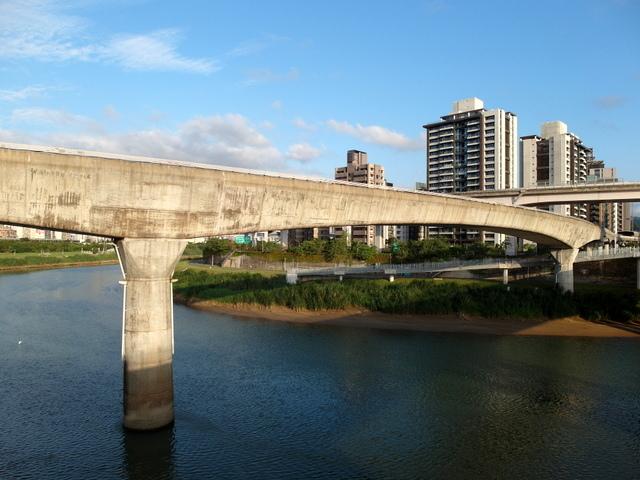 基隆河自行車道 (71).JPG