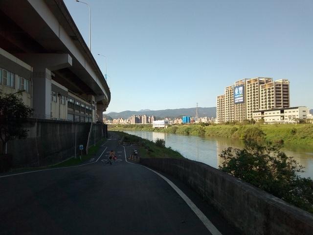 基隆河自行車道 (111).jpg