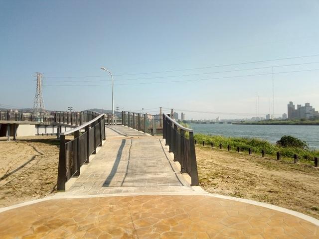 基隆河自行車道 (144).jpg