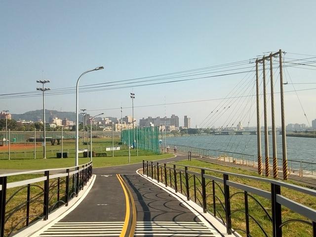 基隆河自行車道 (152).jpg