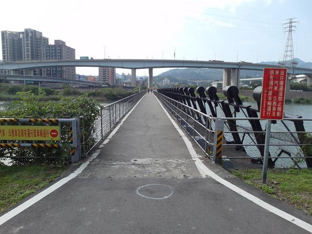 八里左岸自行車道 (25).jpg