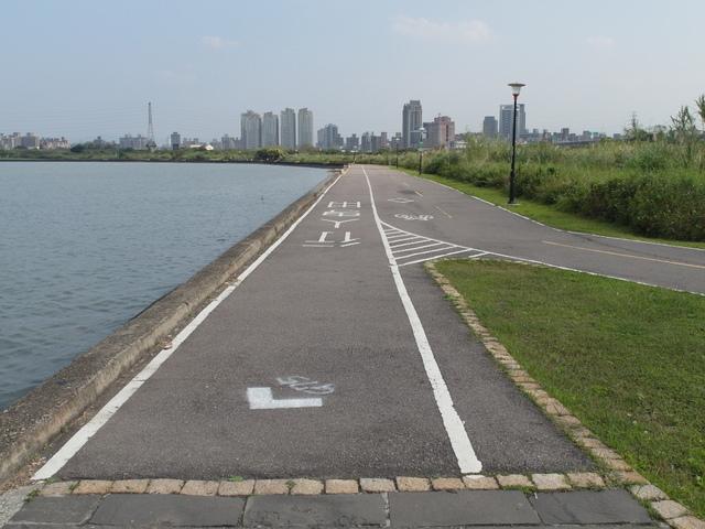 八里左岸自行車道 (30).jpg