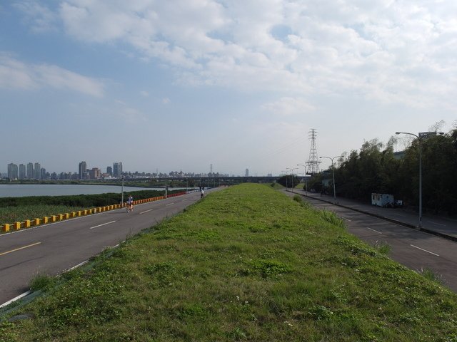 八里左岸自行車道 (38).jpg