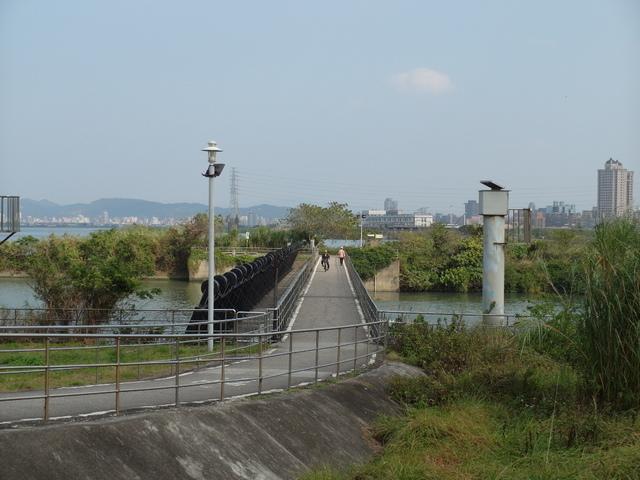八里左岸自行車道 (37).jpg