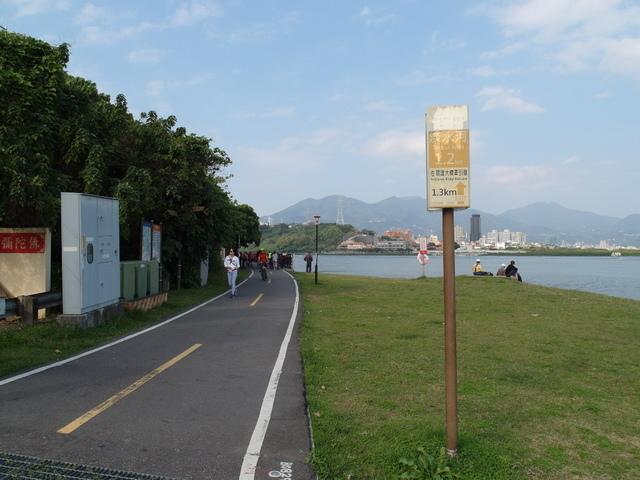 八里左岸自行車道 (54).jpg