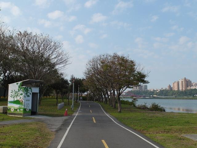 八里左岸自行車道 (67).jpg