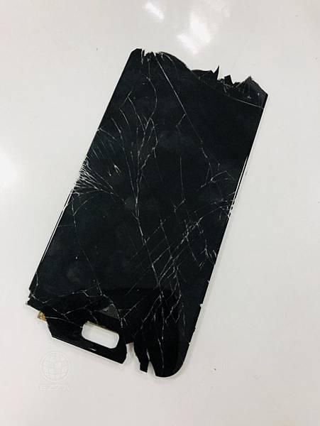 華碩ZenFone 4嚴重破裂.jpg