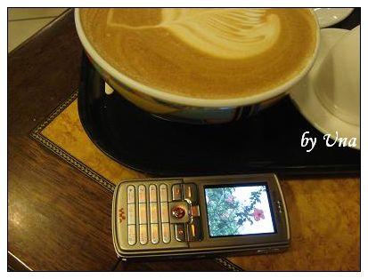 拉堤極品咖啡-熱拿鐵用碗公裝.JPG