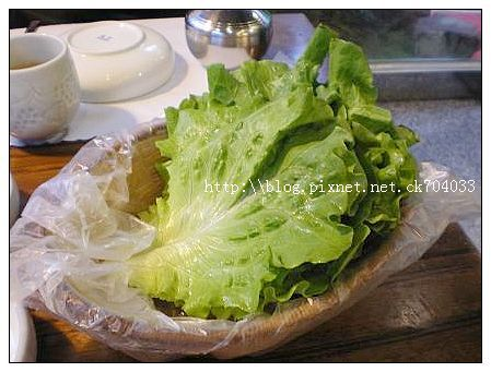 台中李家長壽韓國料理餐廳-包烤肉的生菜.JPG